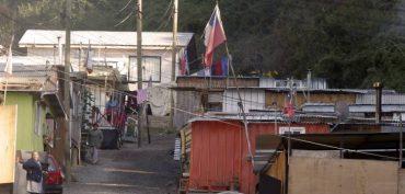Minvu detecta 60 campamentos localizados en zonas de riesgo en el país