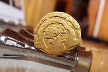 Artesanos de Liquiñe recibieron sellos e iconografías que los acreditan como Ciudad Artesanal Mundial reconocida por la Unesco