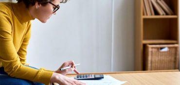 Sernac fiscalizará malas prácticas en servicios que asesoran a deudores