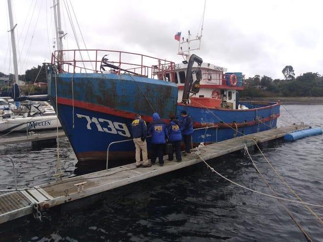 Formalizan a dos imputados por millonaria sustracción de 17 toneladas de salmón en Aysén