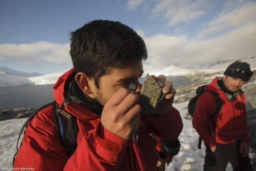 Geólogos chilenos buscan revelar el origen de la península Antártica