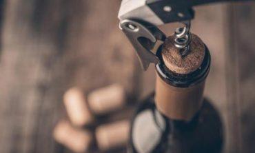 ¿Cómo conservar la botella de vino una vez abierta?
