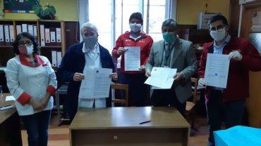 Servicio de Salud Valdivia y Hospital de Panguipulli firman acuerdo para traspaso de $500 millones