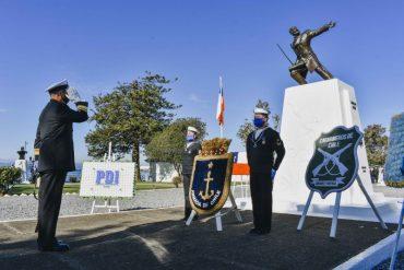 Con ofrendas florales se recuerda a los Héroes de Iquique en la Base Naval Talcahuano