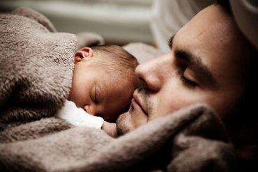 Paternidad en Chile: hombres tienen hijos a una edad mucho más tardía que las mujeres