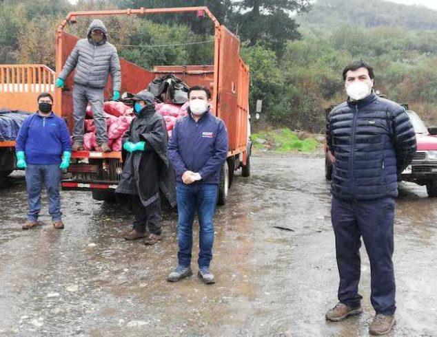Agricultores y comunidades originarias de Cañete y Tirúa realizan donación de alimentos para sectores vulnerables