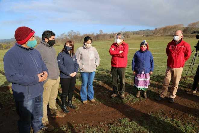 """Ministro Walker recogió inquietudes de comunidades mapuche en la Araucanía: """"Llevamos 22 puntos que tenemos que trabajar"""""""