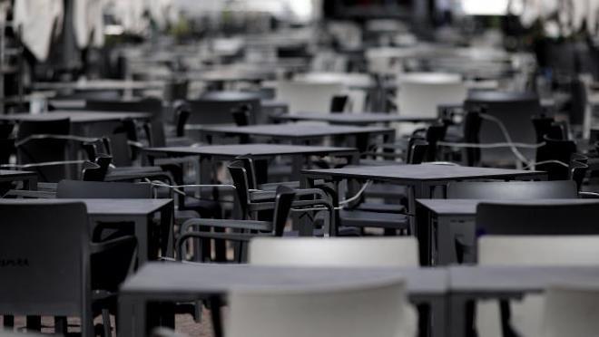 Buena noticia para la industria gastronómica en Chile: restaurantes y cafés podrán atender en terrazas y espacios abiertos