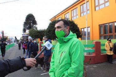 """Alcalde de Castro: """"Con triunfo del apruebo, Chile comenzará a caminar hacia un futuro prometedor"""""""