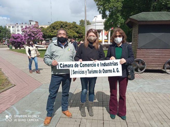 """Gremios del país entregan petitorio tras extensa cuarentena: """"Queremos que permitan el funcionamiento de los pequeños comerciantes"""""""