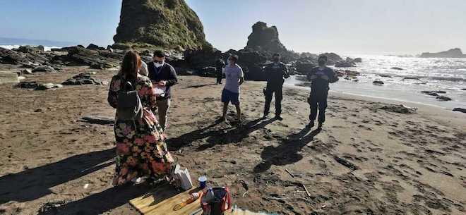 Autoridad sanitaria cursa 16 sumarios a valdivianos que usaron permisos temporales para ir a la playa durante cuarentena