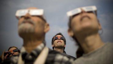 ¿Cómo saber si mis ojos se dañaron tras observar el eclipse?