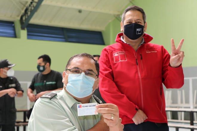 200 gendarmes de trato directo con población penal en Concepción reciben vacuna contra coronavirus