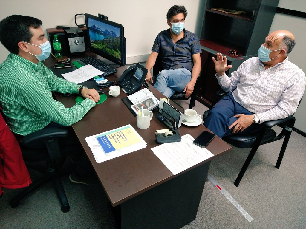Seremi de Educación del Biobío y diputado Bobadilla analizan retorno a clases en la zona