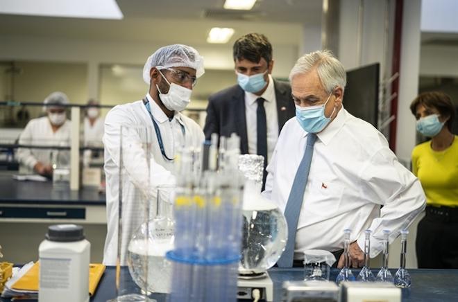 Chile firma acuerdo para sumar 1.8 millones de dosis de la vacuna CanSino a la campaña de vacunación COVID-19