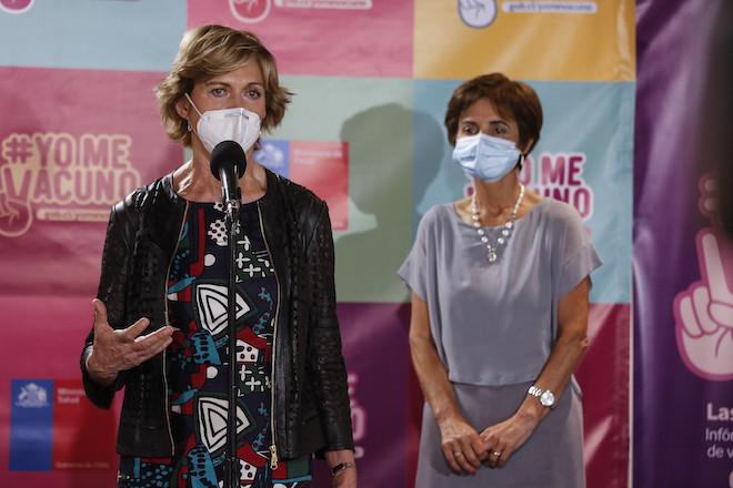 Inician proceso de vacunación de segundas dosis de Sinovac en Chile