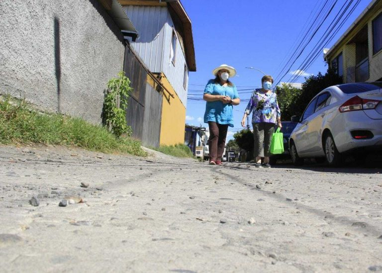 Más de nueve mil millones de pesos destinan para la reparación y construcción de veredas en la Región del Biobío