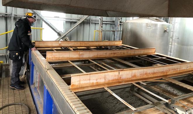 Trabajadores de Landes valoran aporte del procesamiento de salmones en Talcahuano