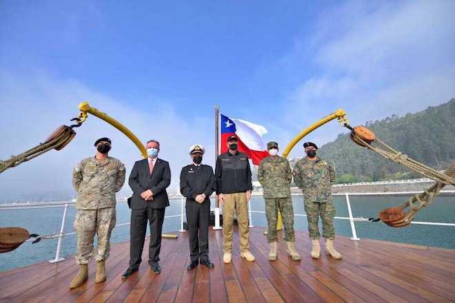 """Ministro Prokurica inspecciona la construcción del rompehielos Viel y visita el blindado """"Huáscar"""" en Talcahuano"""