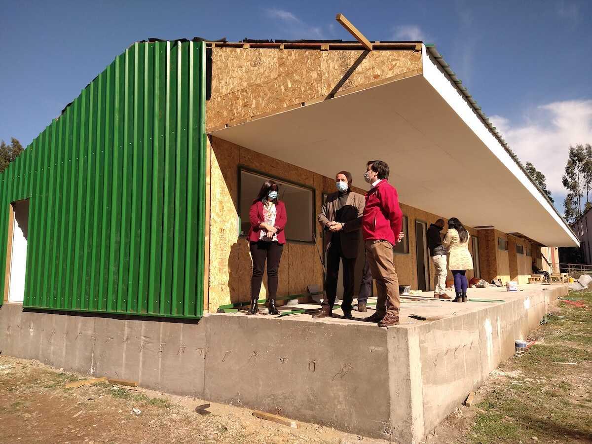 Escuela Lanalhue presenta un 80% de avance en su proceso de reconstrucción