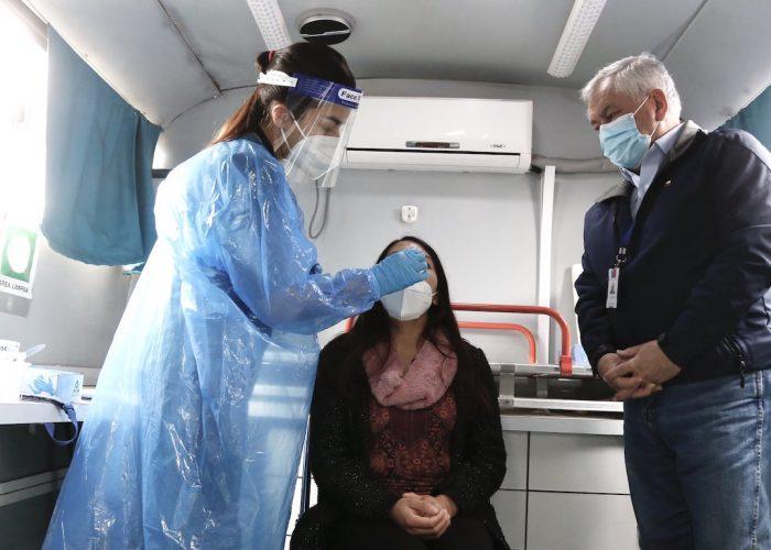 Ministro de Salud asiste a operativo de Búsqueda Activa de Casos en Alto Biobío