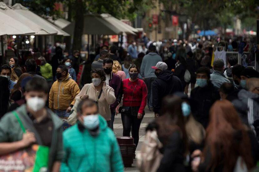 Número de deudores morosos en Chile baja por tercera vez consecutiva y retrocede a niveles de 2016