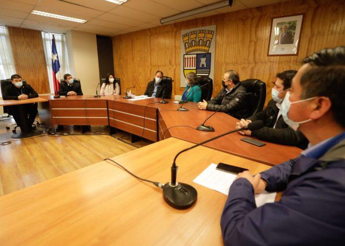 Gobernador regional se reúne con alcaldes/as de Arauco y ratifica gestión descentralizada