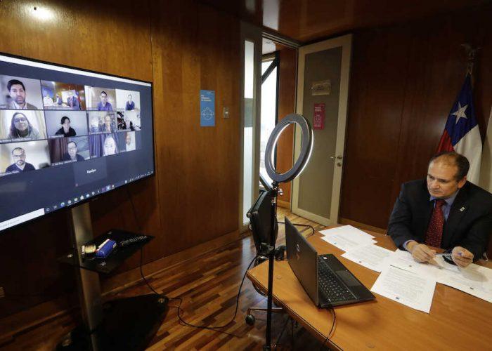 Gobernador Díaz y Rector UDEC presentan ante delegación china de Sinovac al Biobío como alternativa para instalar centro de producción de vacunas