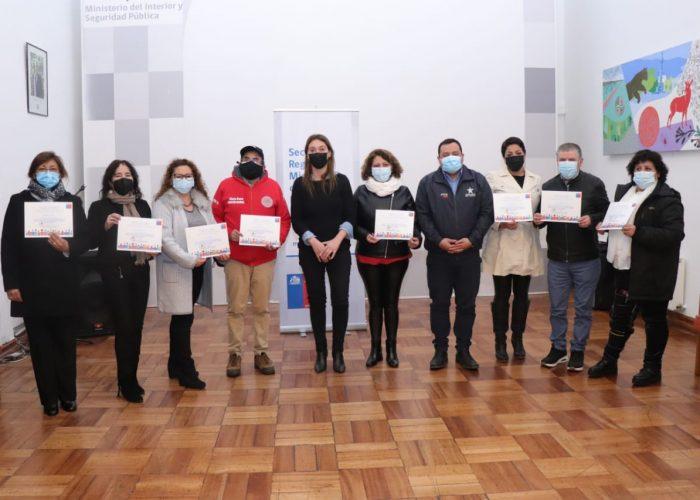 Seremi de Gobierno entrega reconocimiento a destacados líderes comunitarios del Biobío