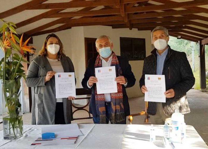Seremi de Economía Mauricio Gutiérrez firmó convenio de funcionamiento en pandemia con Zoológico de Concepción