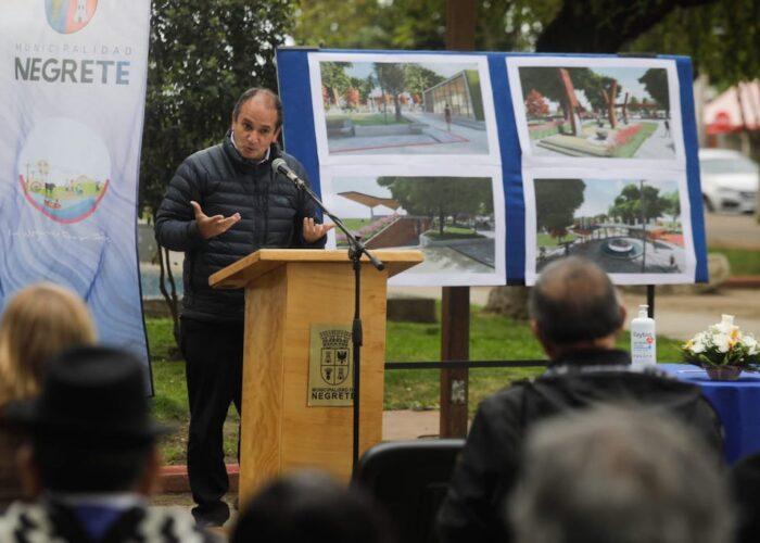 Remodelación de Plaza de Armas de Negrete considera inversión de $1.864.054.000